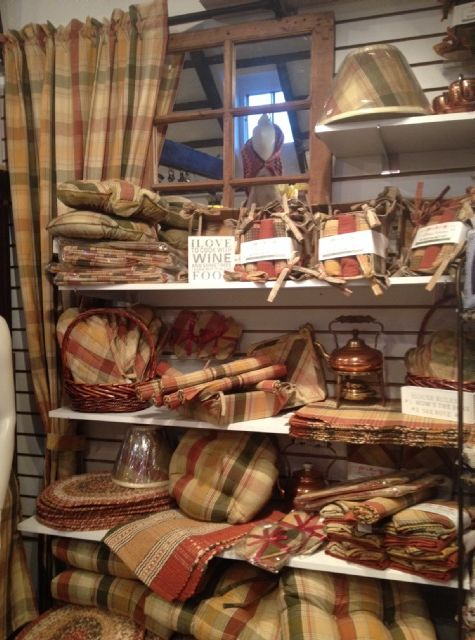 Reni Decors & Cadeaux | Home decor, Gift Shop & Antiques | Home Decor, Bedding, Antiques, Collectables & Gift shop in Saint-Lazare / Hudson, near Montreal. Bedding, textiles, antiques in beautiful Saint-Lazare, Quebec.